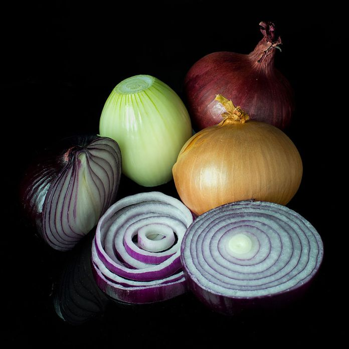 800px-mixed_onions